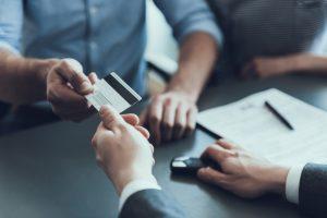 Les précautions à prendre avant de signer un prêt entre particuliers